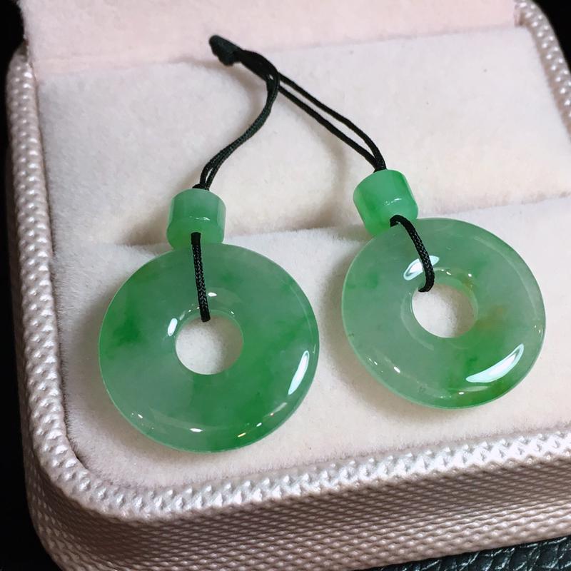 【行家货推荐】好漂亮的冰绿玉环平安扣一对,尺寸18.9*3.5mm,镶庄,镶嵌耳坠后效果更佳,有种