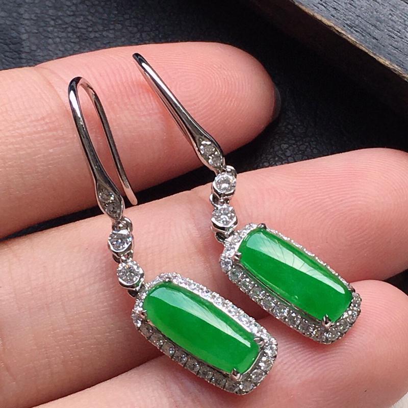耳饰耳坠,翡翠18K金伴钻镶嵌满绿素面牌耳坠,自然光实拍,玉质细腻,雕工精美,佩戴送礼佳品,包金尺寸